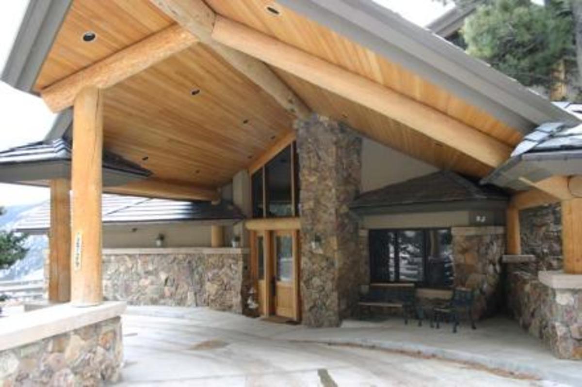 Porte Cochere at a luxury home in Colorado