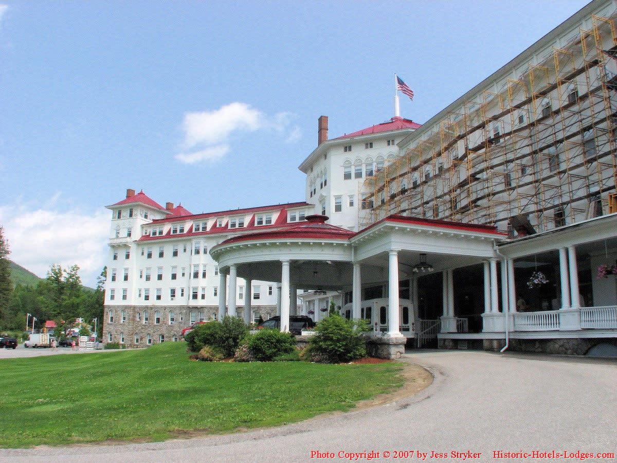 Hotel Porte Cochere