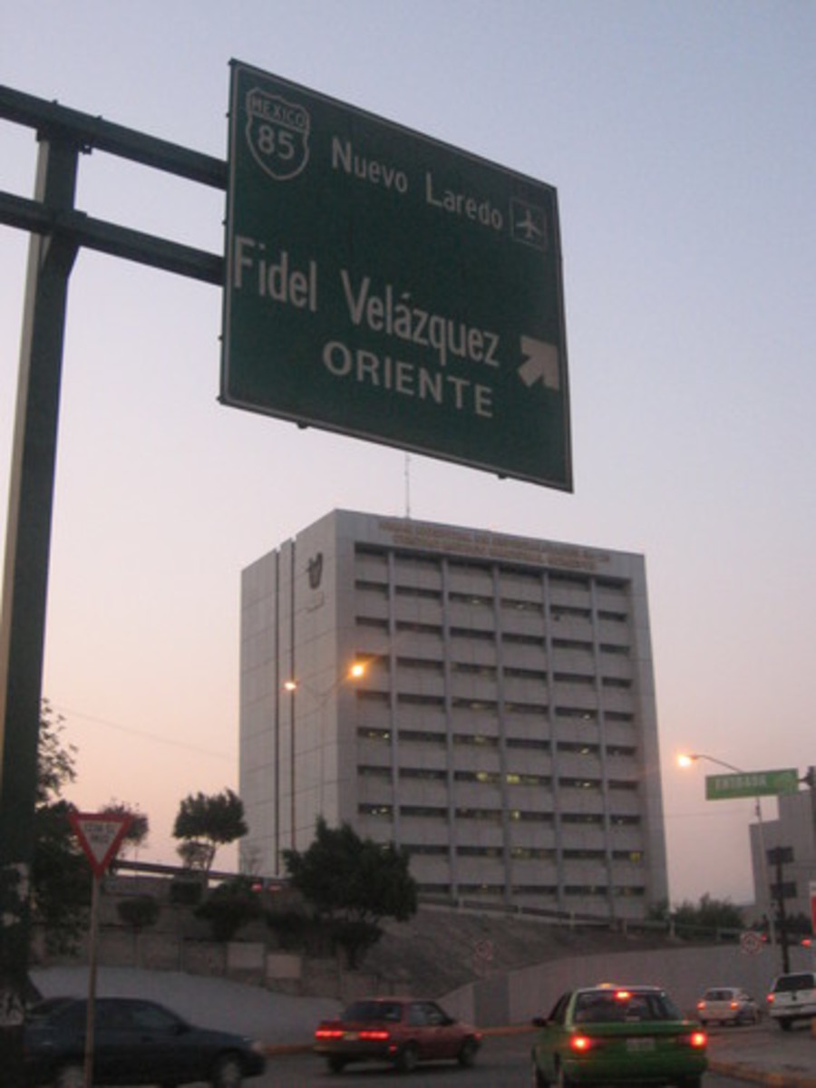 photo credit David kuu.  Modern IMSS Clinic, 25.  Monterrey, Nuevo Leon, mexico.