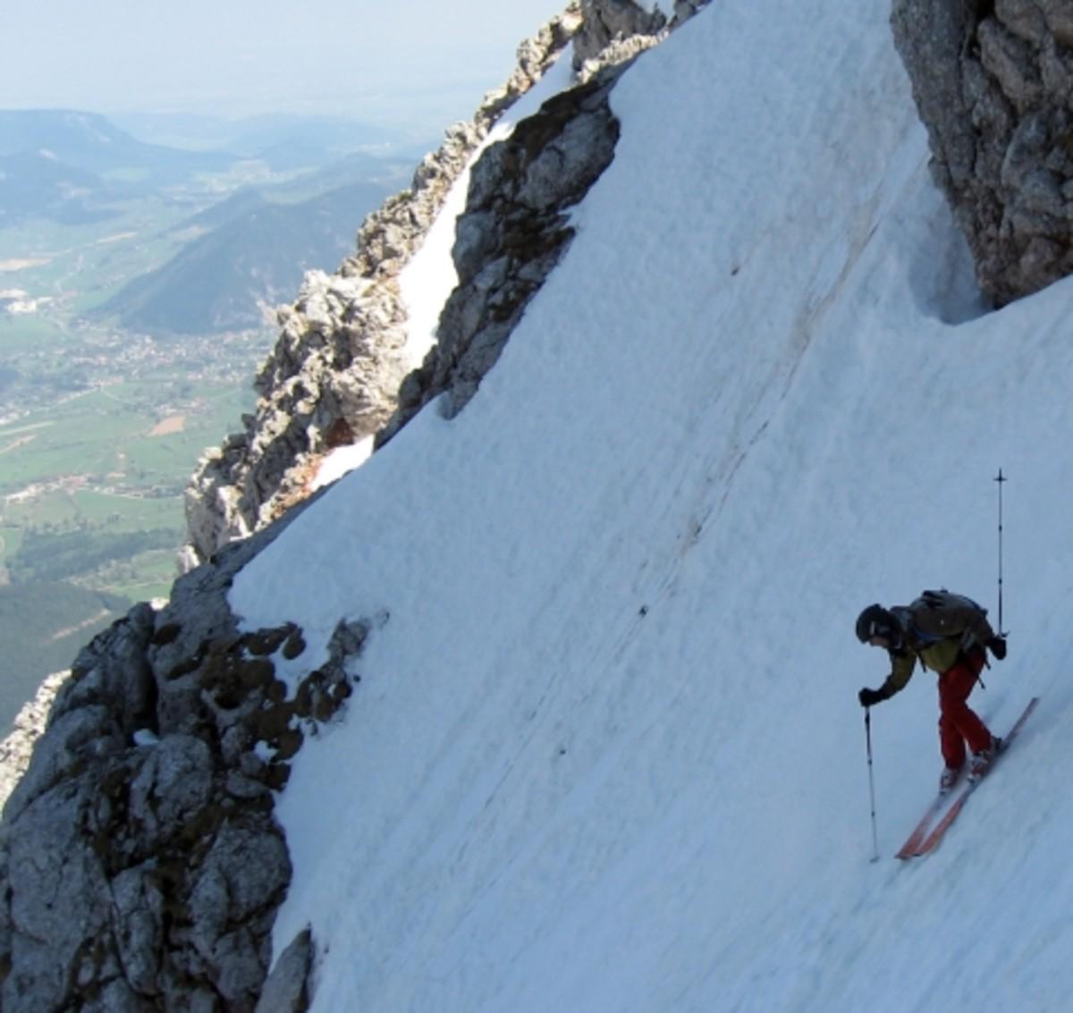 Skiing the Narrndattl Couloir at the Schneeberg massif near Vienna.