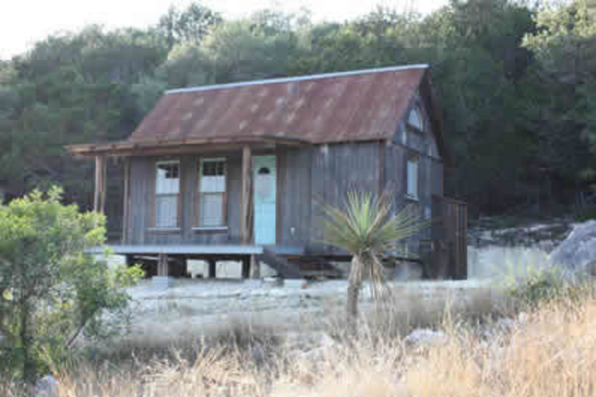 ATTENTION! Tiny Texas Homes You Won't Believe!