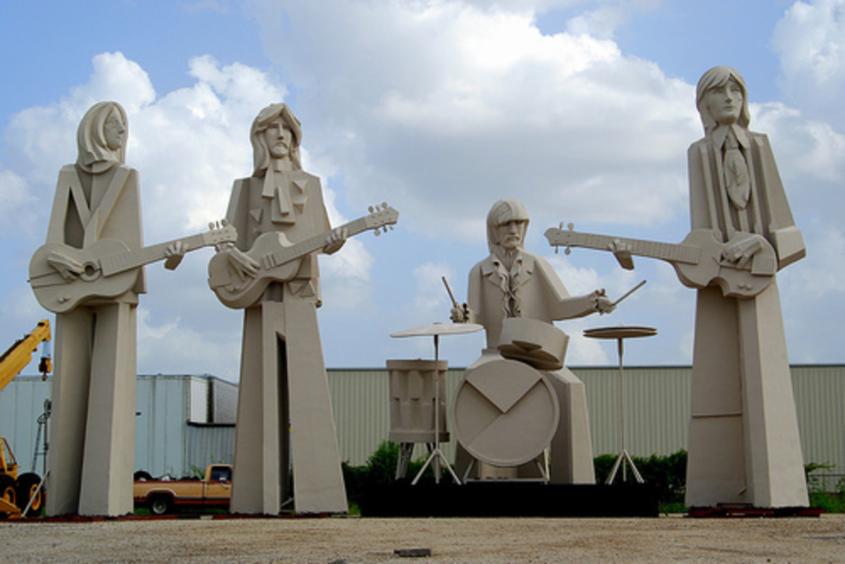 The Beatles statues are a reflection of the early art of David Adickes in the 1960s