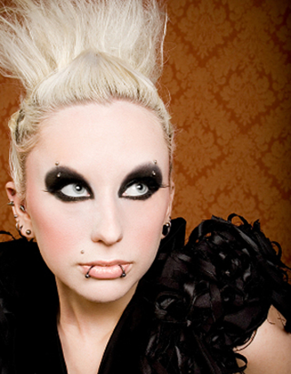 Gothic Makeup | HubPages