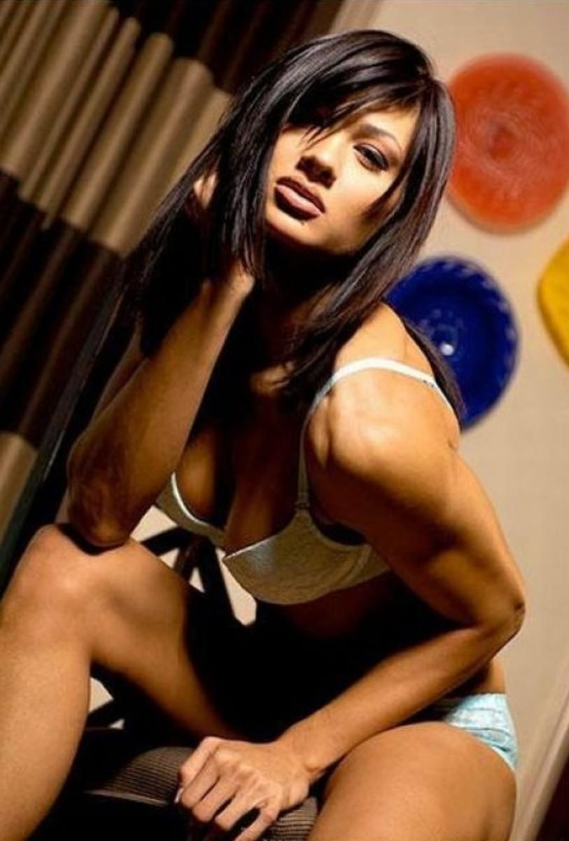 Monique Minton Ricardo - Female Fitness Model, IFBB Bikini Pro and Brazilian Jiu Jitsu Practitioner