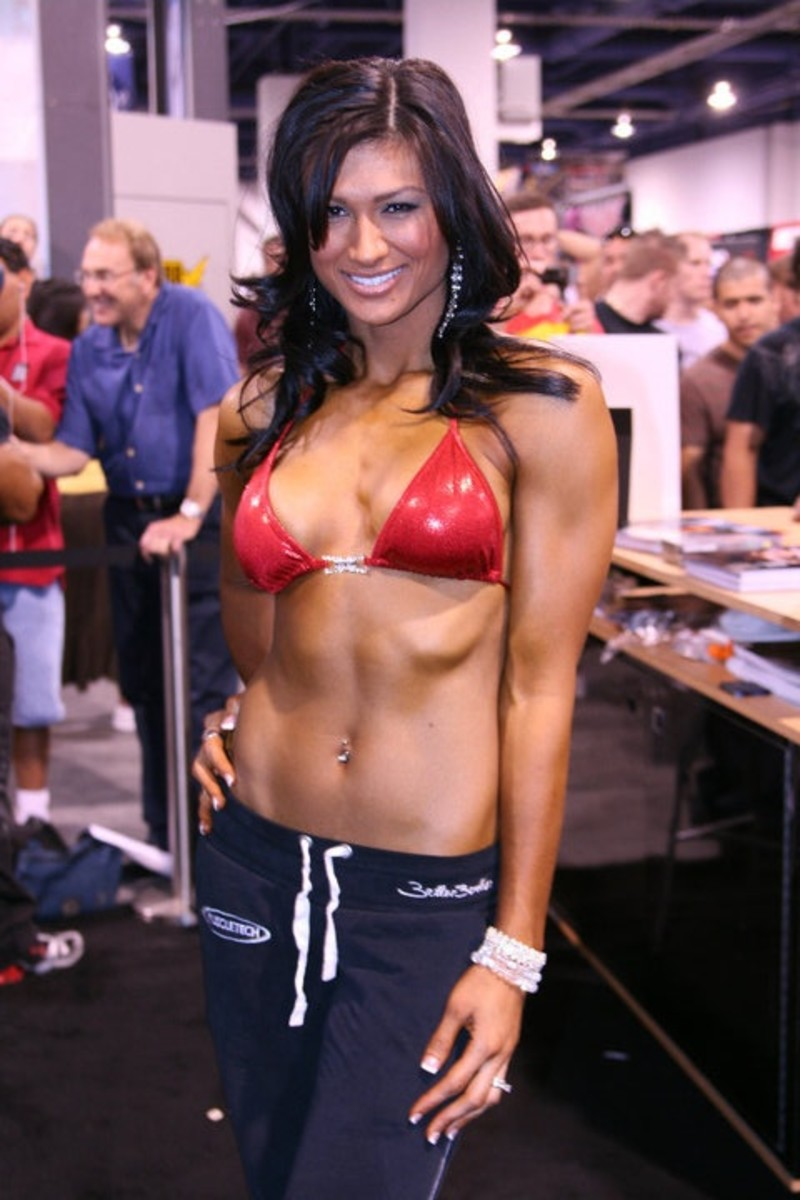 Monique Minton Ricardo - Former Female Fitness Model, IFBB Bikini Pro and current Brazilian Jiu Jitsu Practitioner