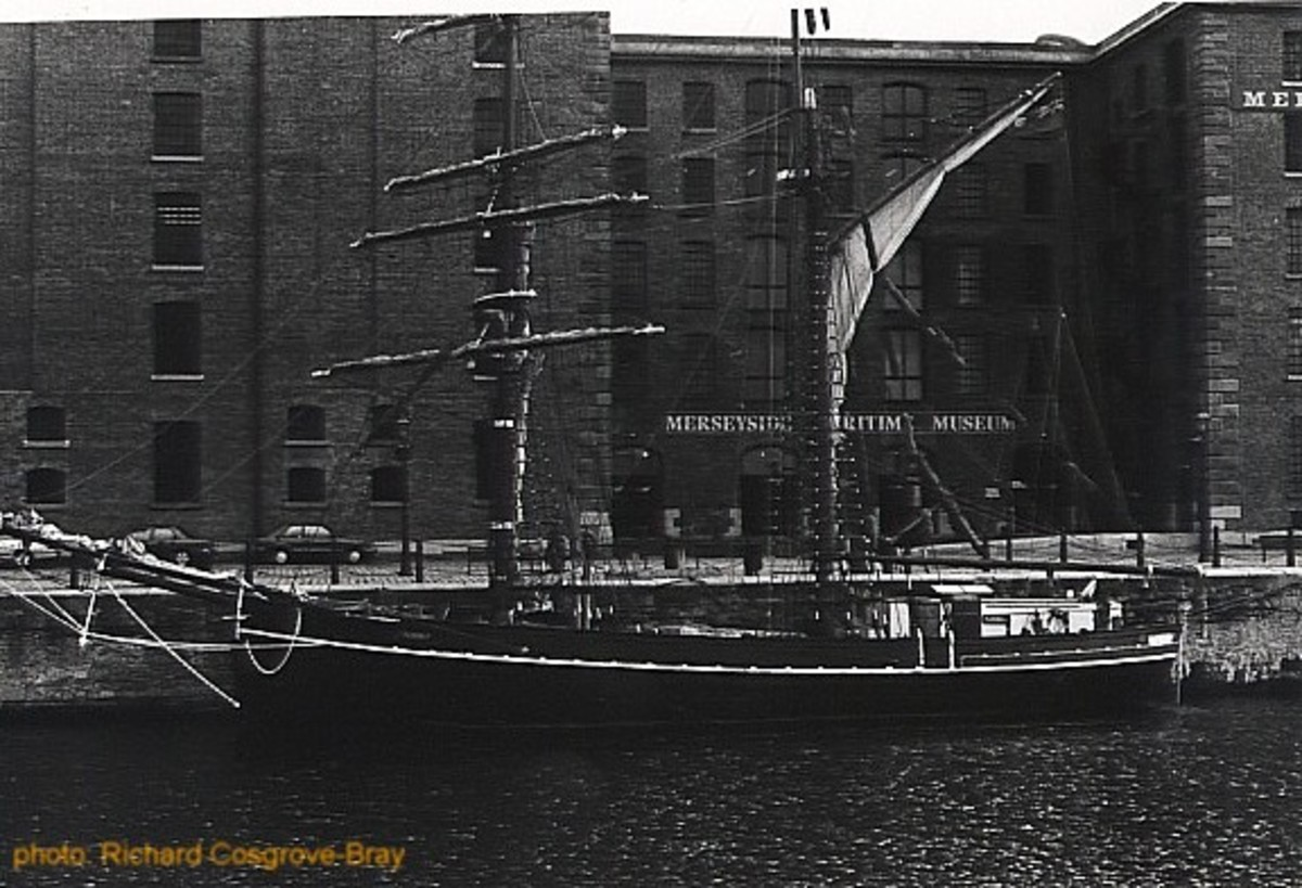 The Albert Dock Village, which houses the Liverpool Tate, shops, restaurants, offices, luxury apartments, bars and several museums, is popularly considered one of the city's success stories.