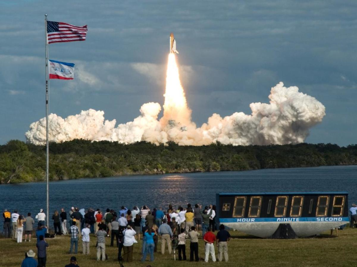 watch-a-space-shuttle-launch