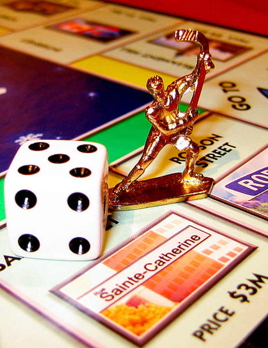 Canadian Monopoly with collectors gold piece by Kevin Lam, courtesy of Wiki Commons