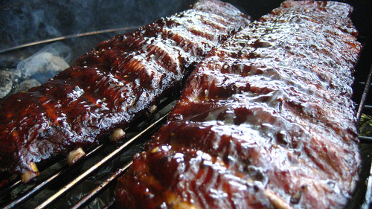 BBQ Ribs; Secrets to Falling Off the Bone Tenderness - The Texas Crutch!