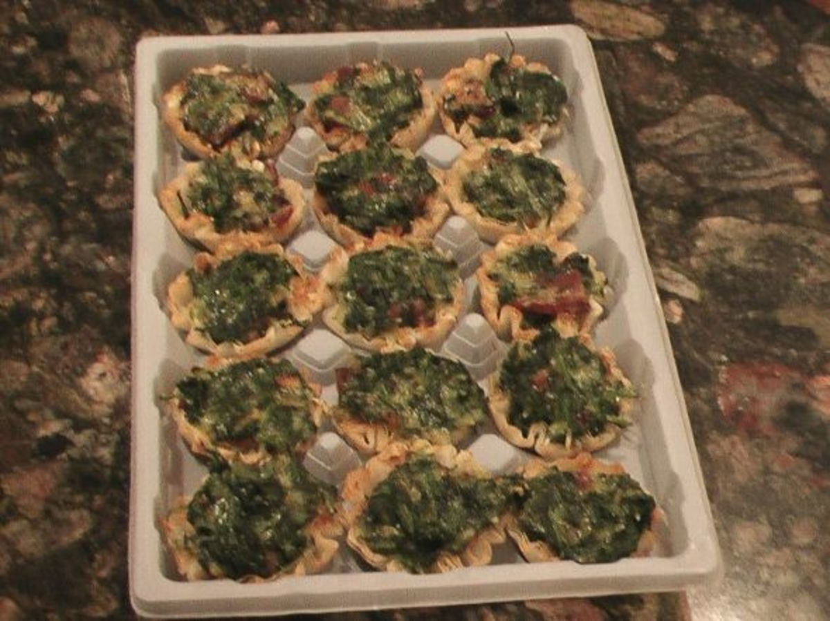 I put the cooled baked mini quiches in the original container to store them.