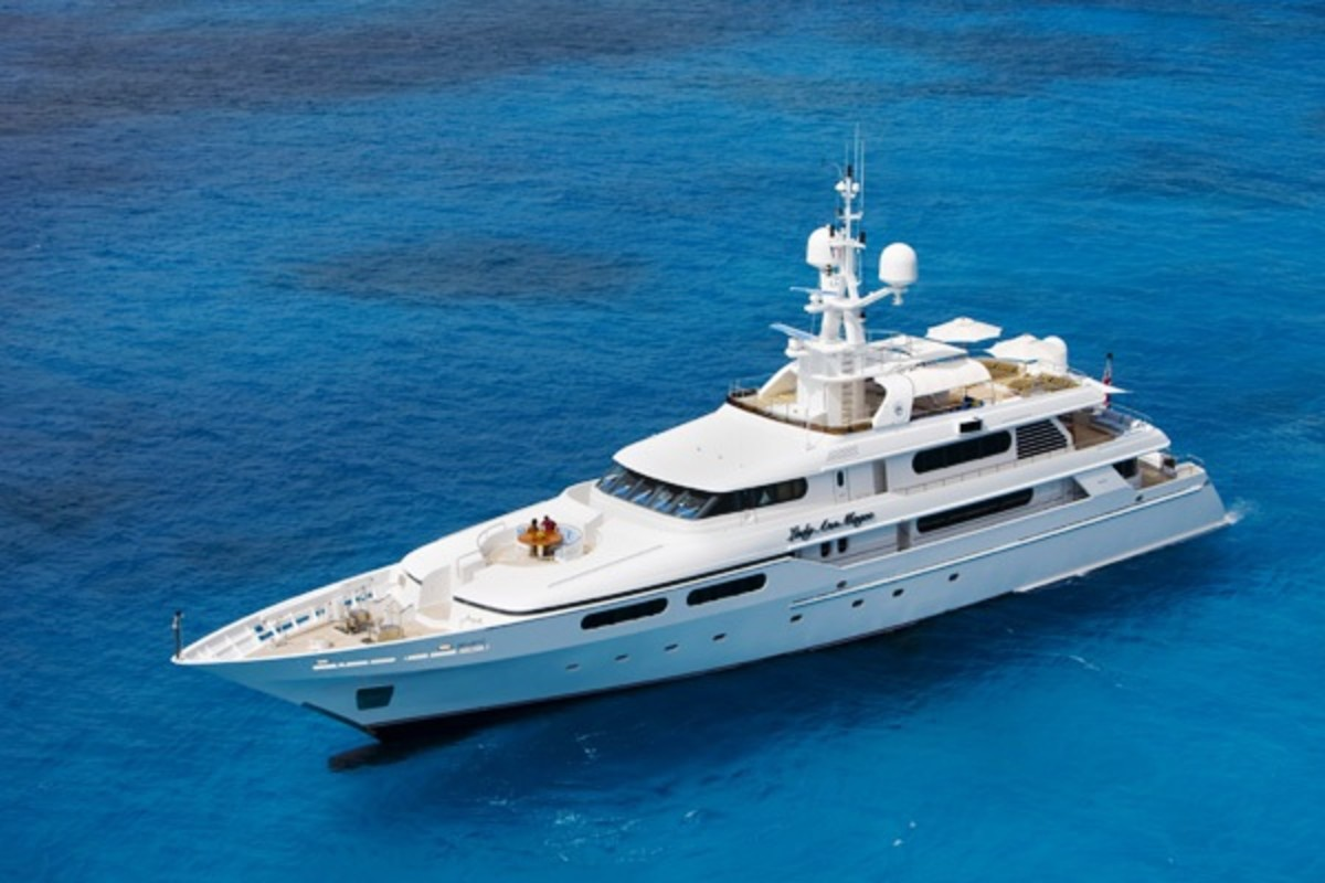 Lady Ann McGee -The Luxury Yacht That Rod Stewart Rented for His Honeymoon
