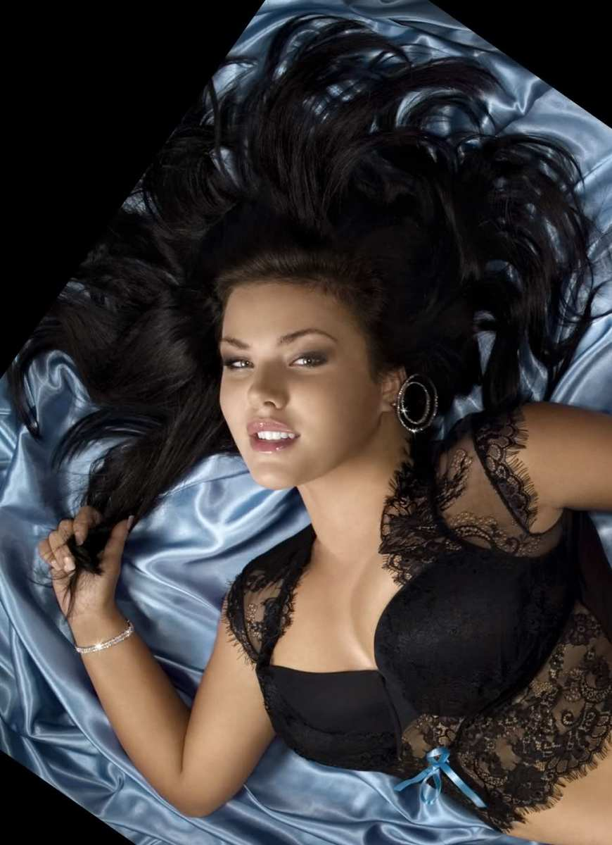 Christina Schmidt - Beautiful Plus Size Models