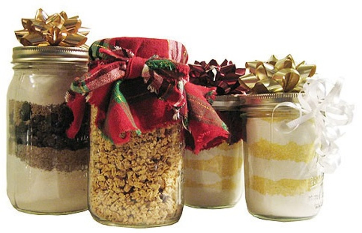 Save Money on Christmas Gift Giving by Making Homemade Gifts in a Jar