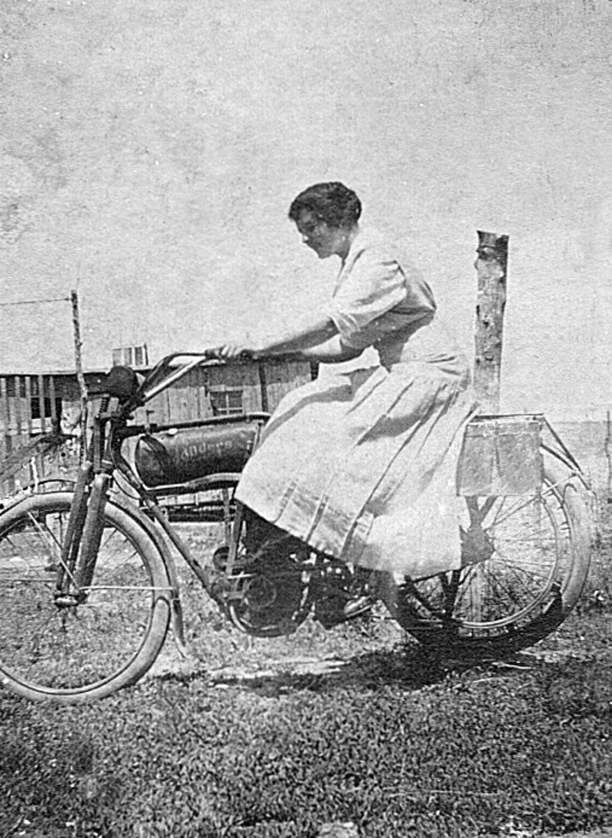 This is Ruth Vining of Tyro, Kansas on a Flanders 4 motorcycle.