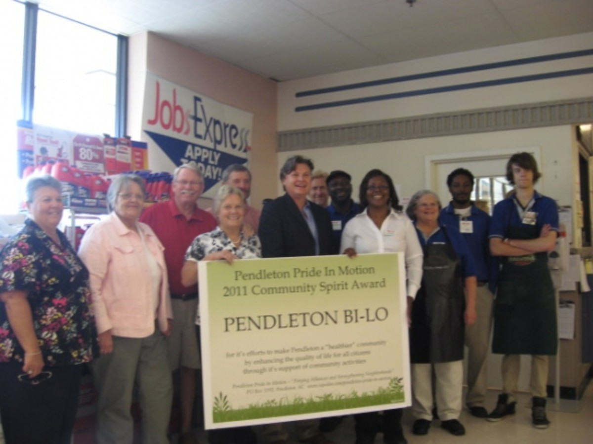 PPIM Community Service Award to Pendleton Bi-Lo