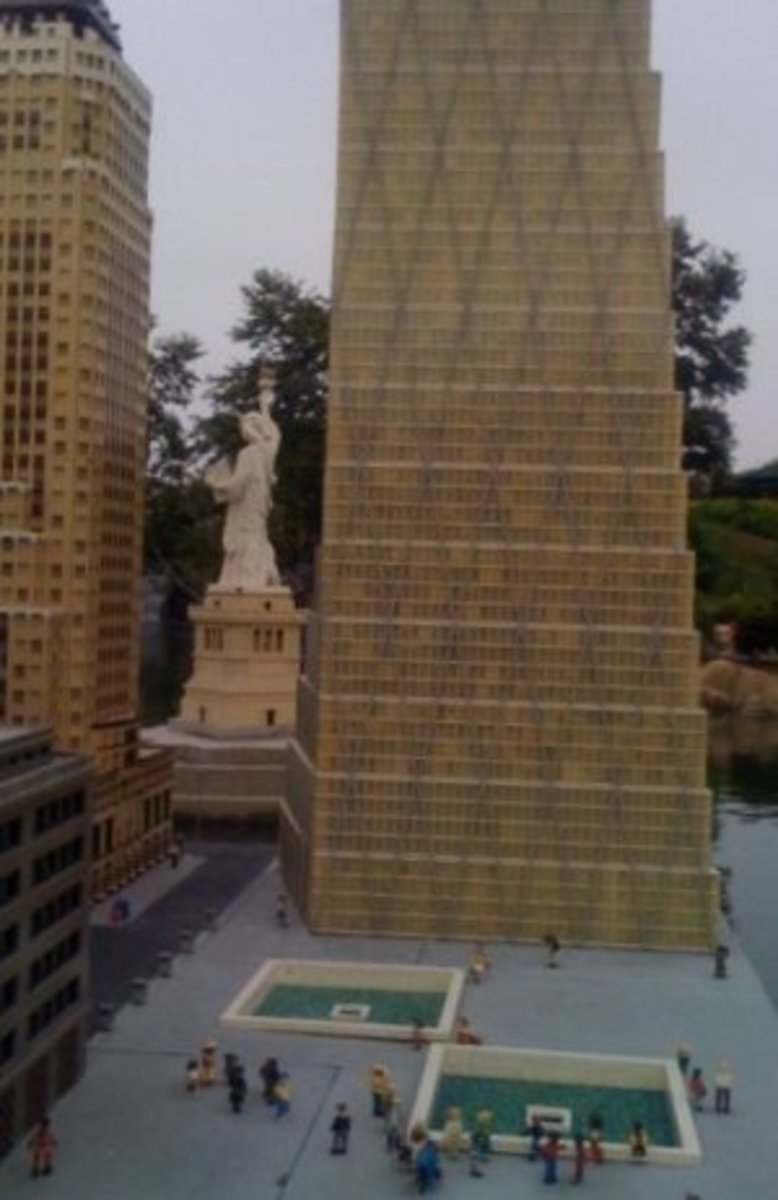 OK, no mini Legoland Hotels here, just a Lego version of New York's Freedom Tower (with the World Trade Center memorial site in front and the Statue of Liberty behind).  You really have to see this for yourself!