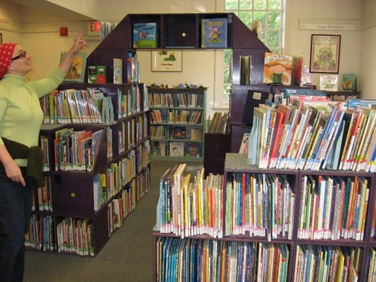 The picture book area in the Longmeadow children's room in Massachussetts