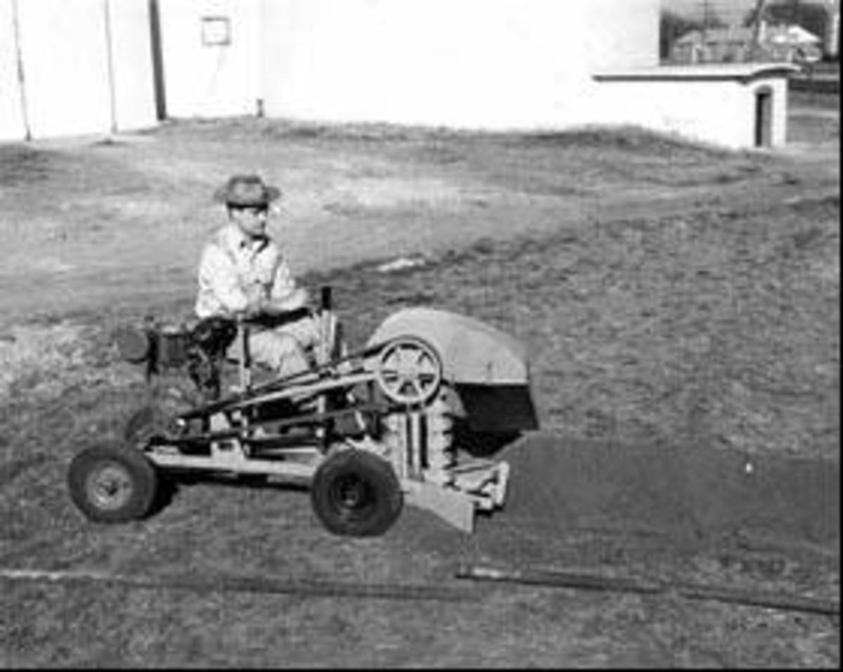 Oklahoma Invention and Inventors: The Ditch Witch in Use