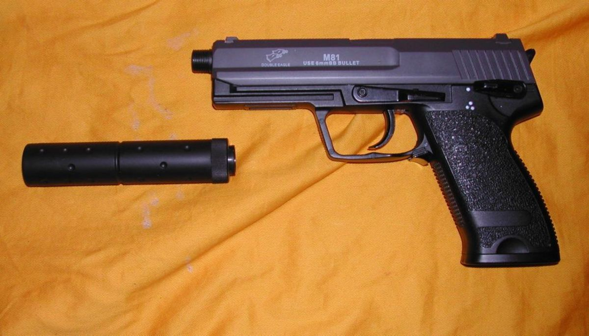 Double Eagle also has a history of producing LPEGs, but this is a decently made AEP clone. Sometimes this gun is mistaken for a CYMA.