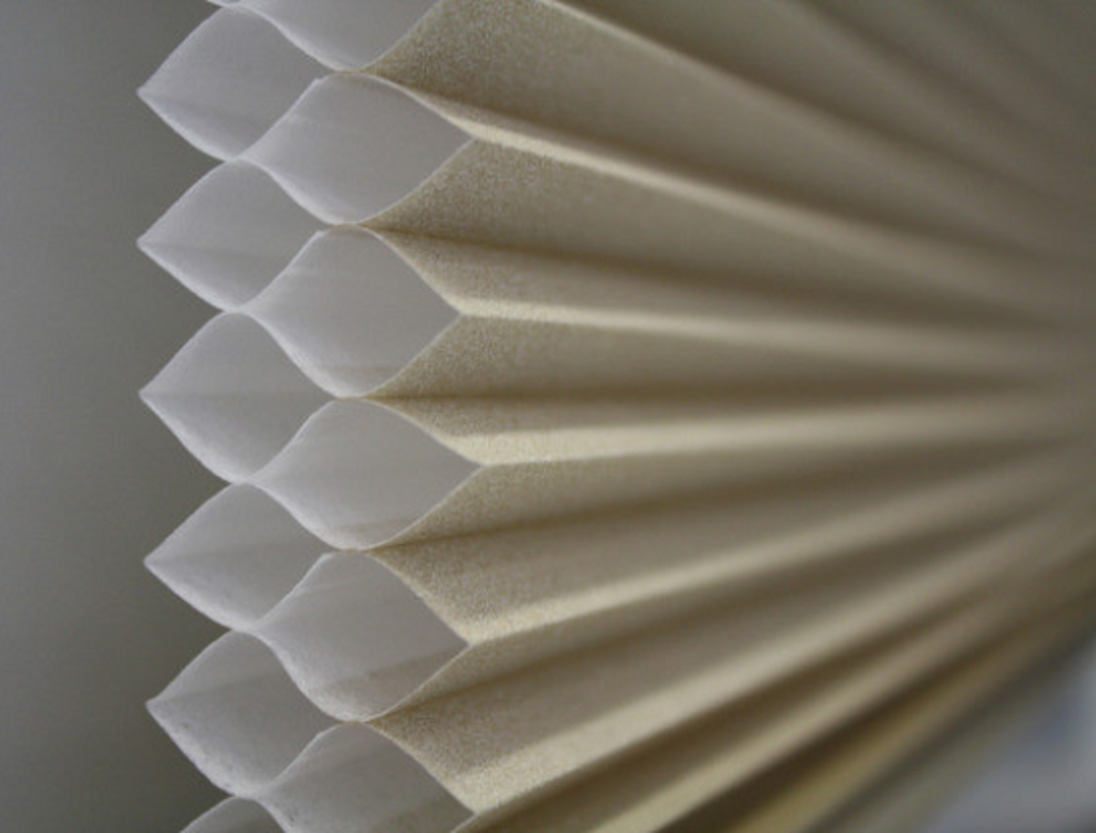 The construction of a two-cell honeycomb window blind.