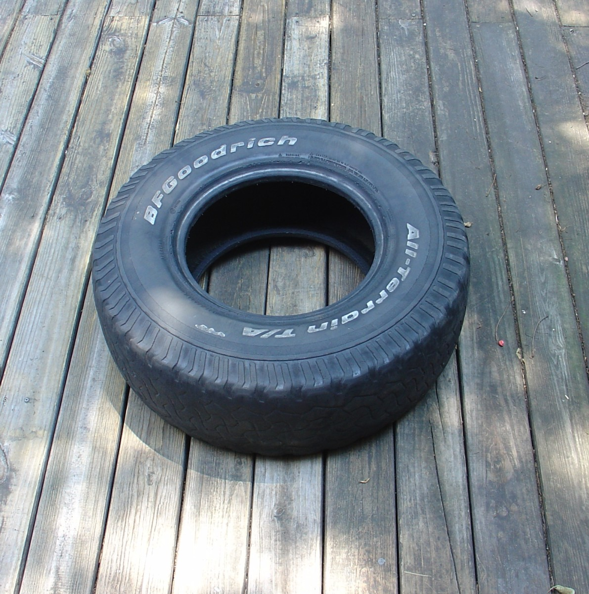 Just any old tire - I picked this one because it was wider than most.