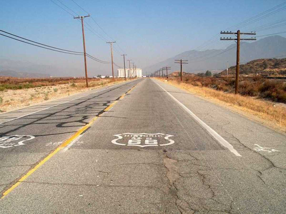 Section of old Route 66 in California