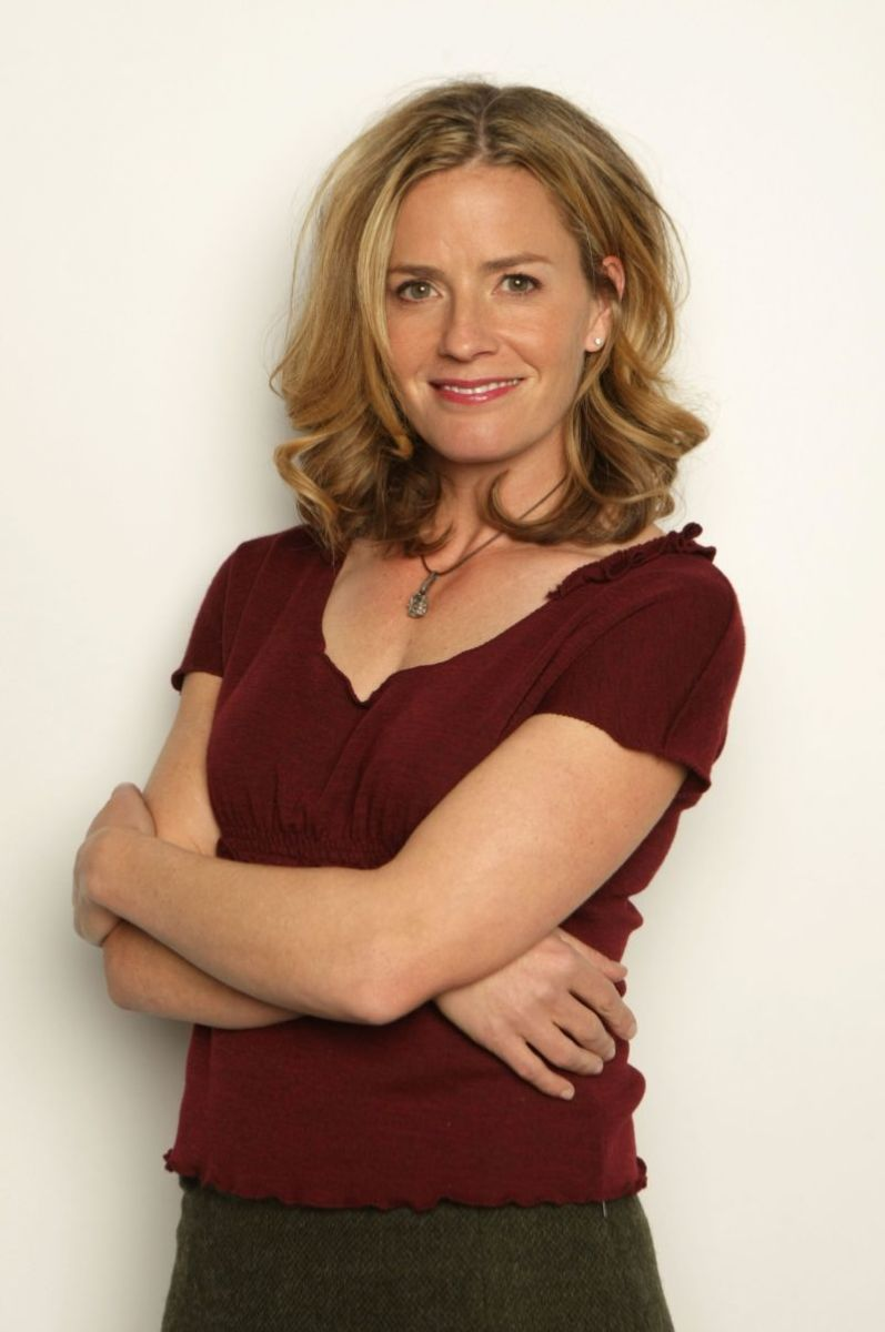 Elisabeth Shue - Beautiful Women Over 40