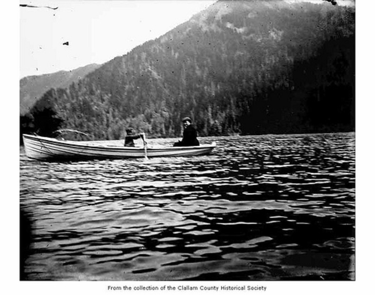 Comedy And Funny Stories About A Boat: Boating On The Lake at Lake Crescent