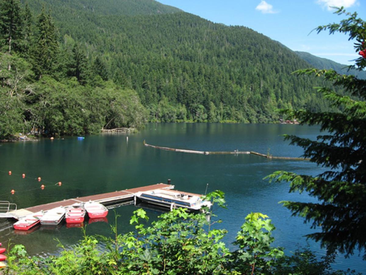 Lake Crescent boat dock