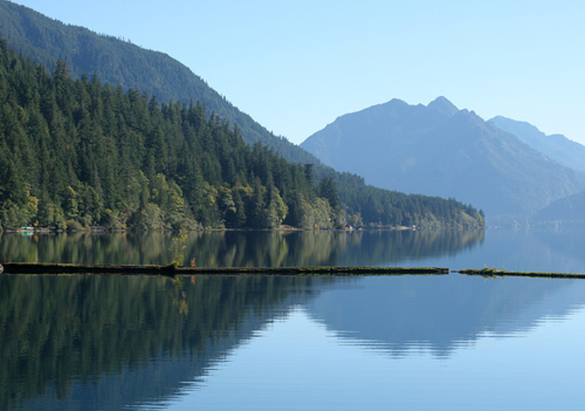 favorite-funny-stories-boating-on-the-lake-at-lake-crescent