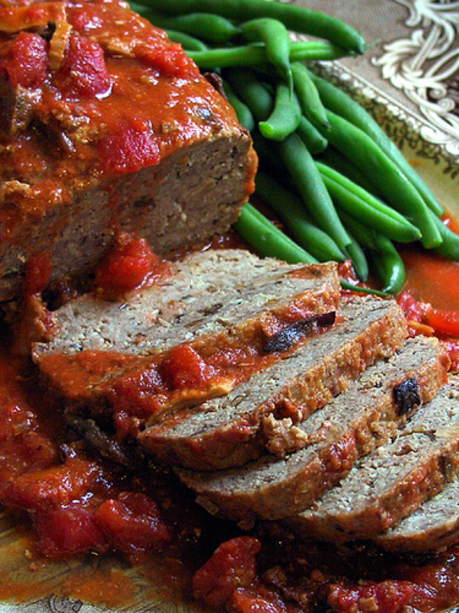 Bison meat loaf is a healthy way to enjoy this well-loved comfort food.  Photo:  pinotshop@Flickr