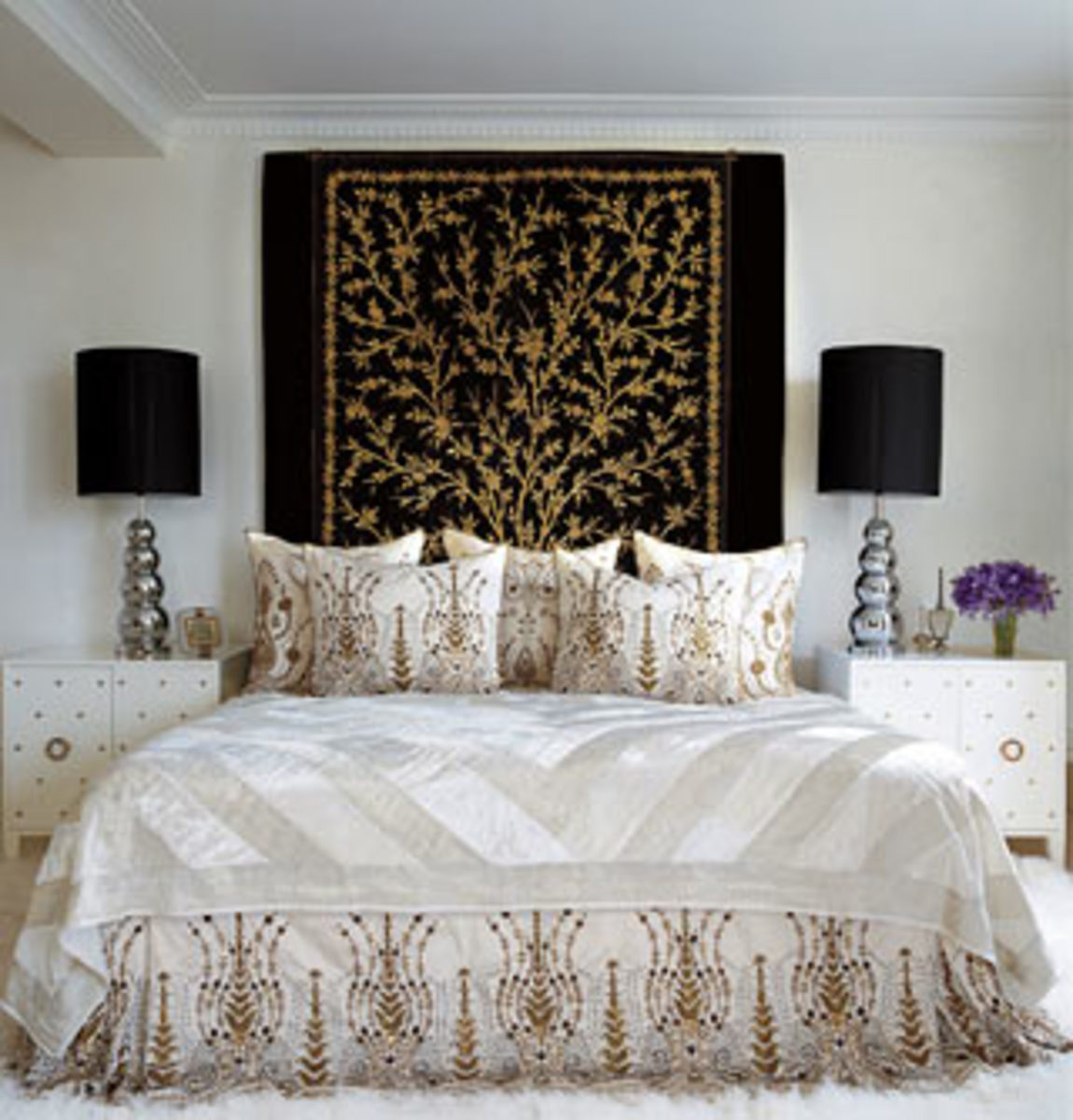 """White bedroom"" of Tamara Mellon."