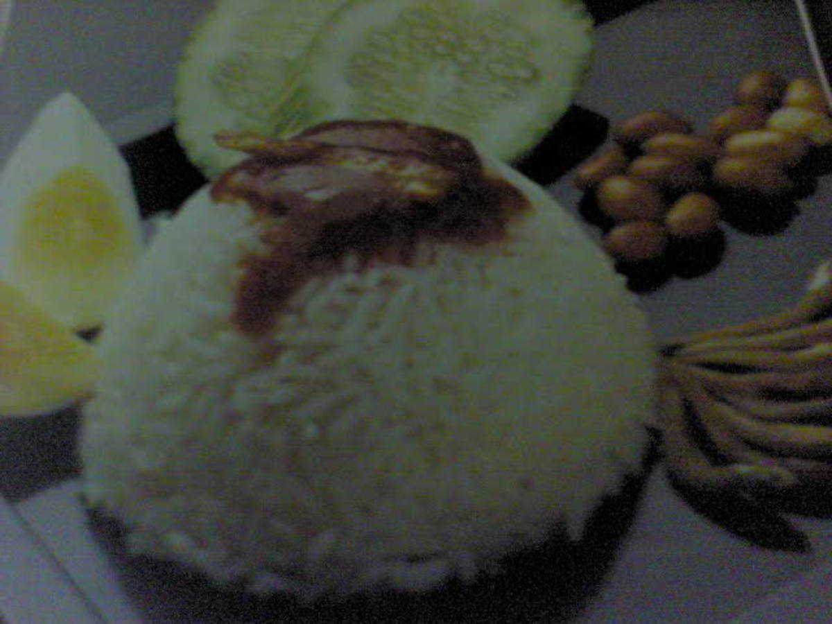 Malaysia Traditional Dish:  Nasi Lemak ( Coconut Milk Rice)