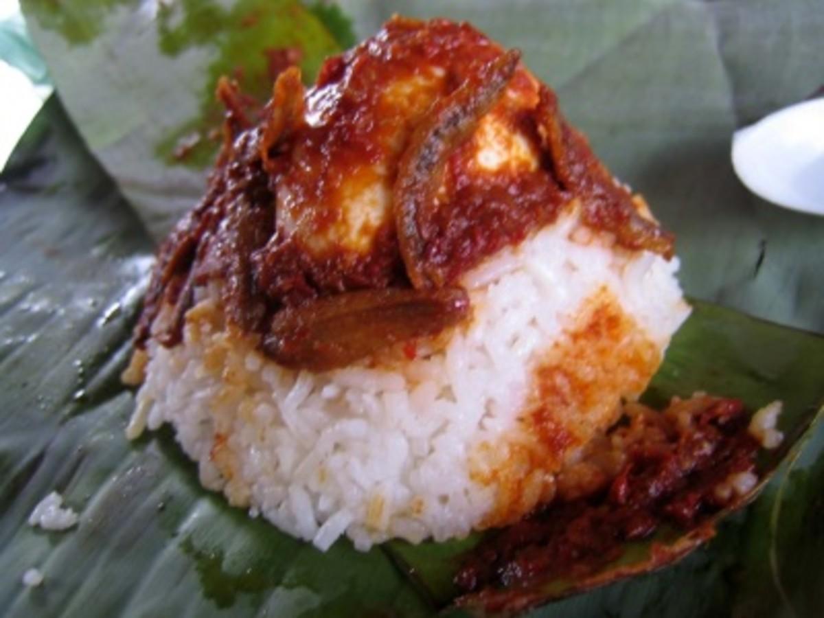 banana leaf nasi lemak