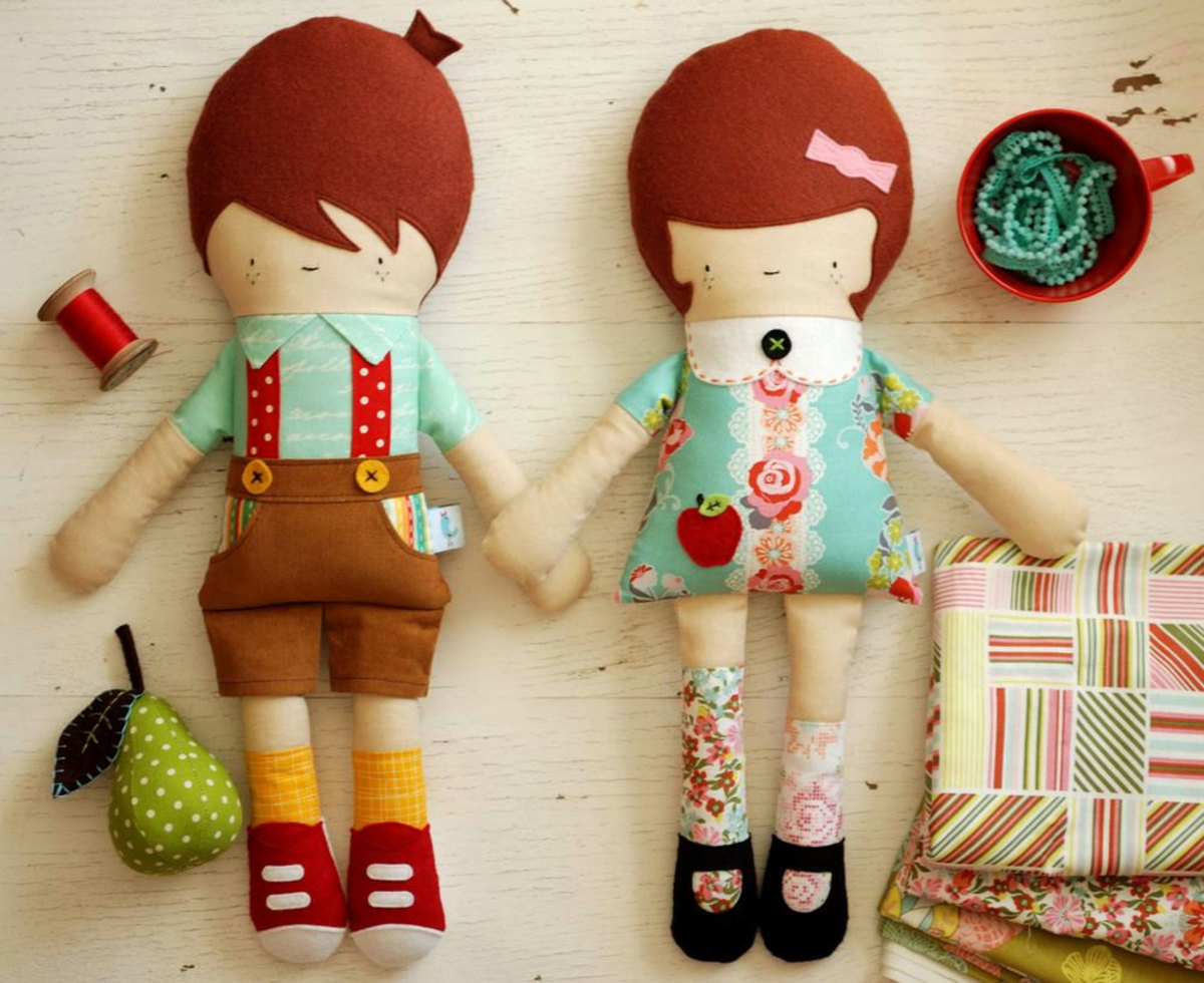 Arent these retro dolls cute from retro mama! So adorable. You just know your kids will love them!