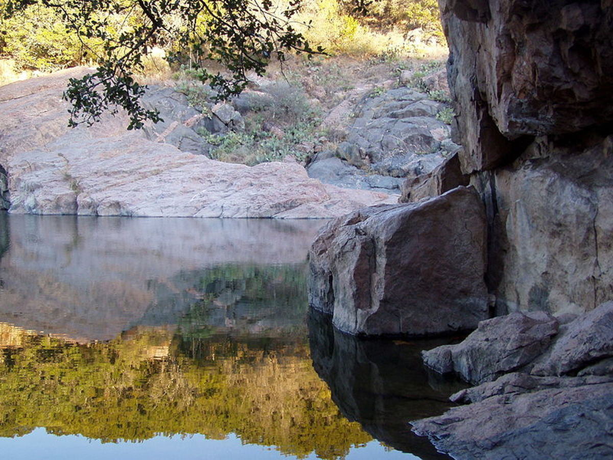 Devil's Waterhole at Ink's Lake State Park