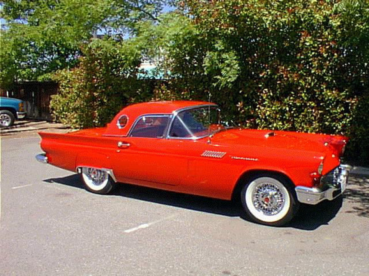 Ford Classic Cars - 1957 Ford Thunderbird