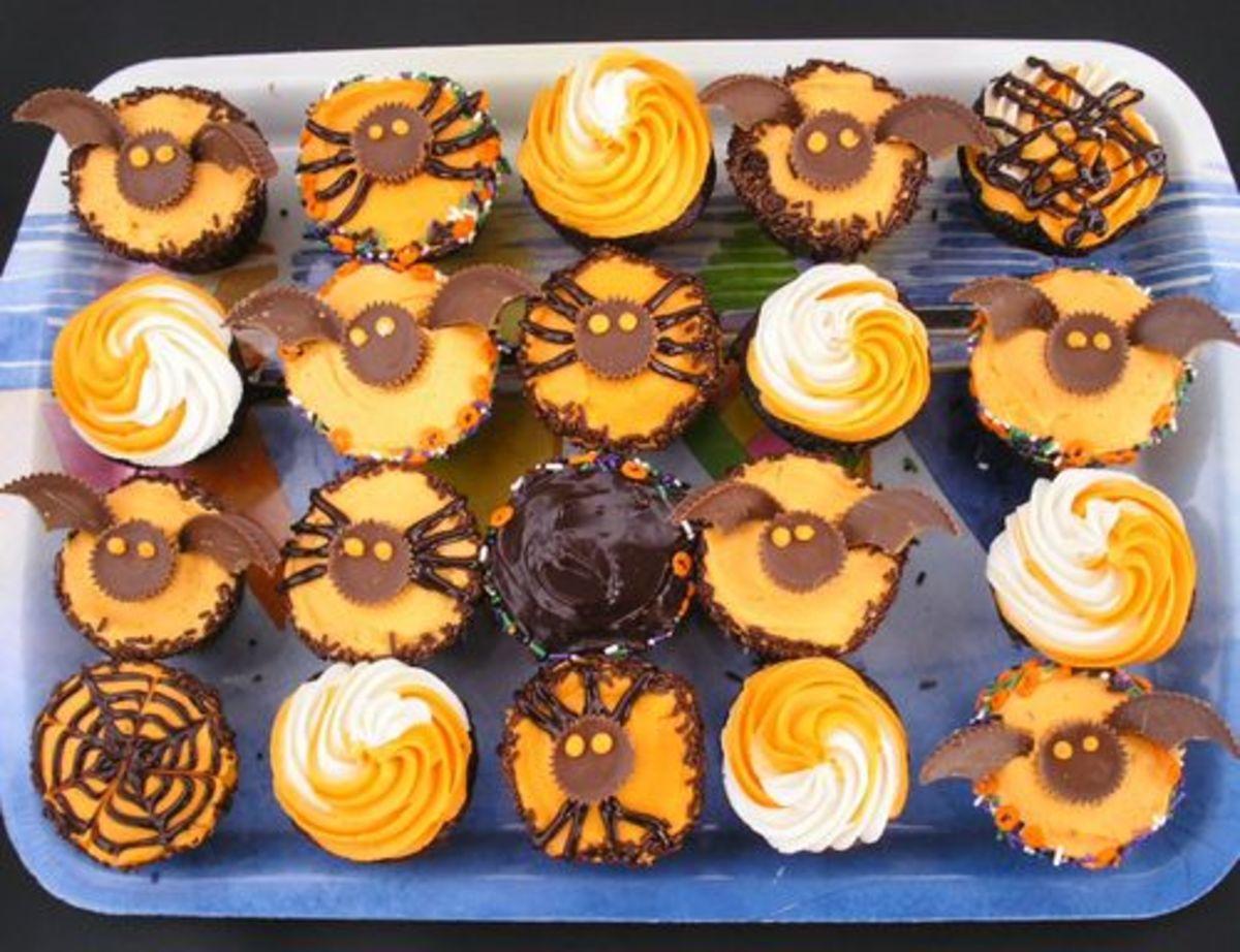 Seasonal Decorating Cupcakes