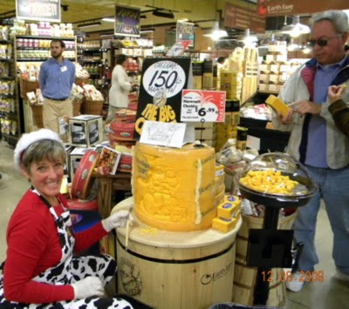 Sample Fresh Cheese at Earth Fare Chattanooga Tennessee