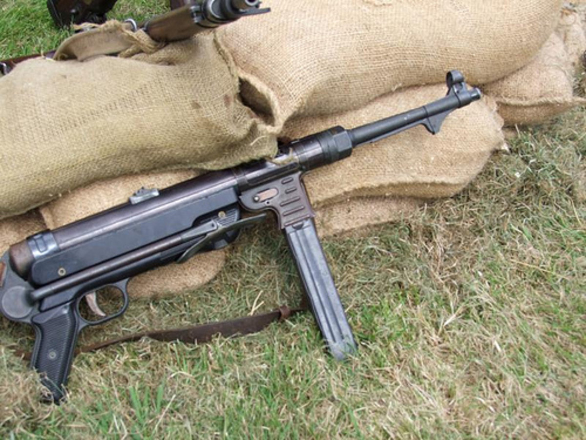 essay on ww1 weapons The french army was unable to capitalize on the potential of this weapon as the  western front settled down into tatic trench warfare, the.