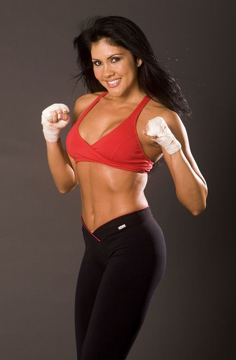 Mia St. John-female boxing