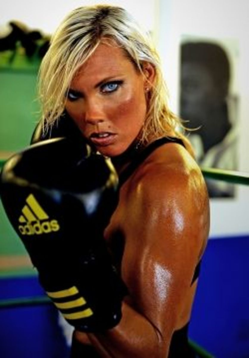 Mikaela Lauren-female boxing