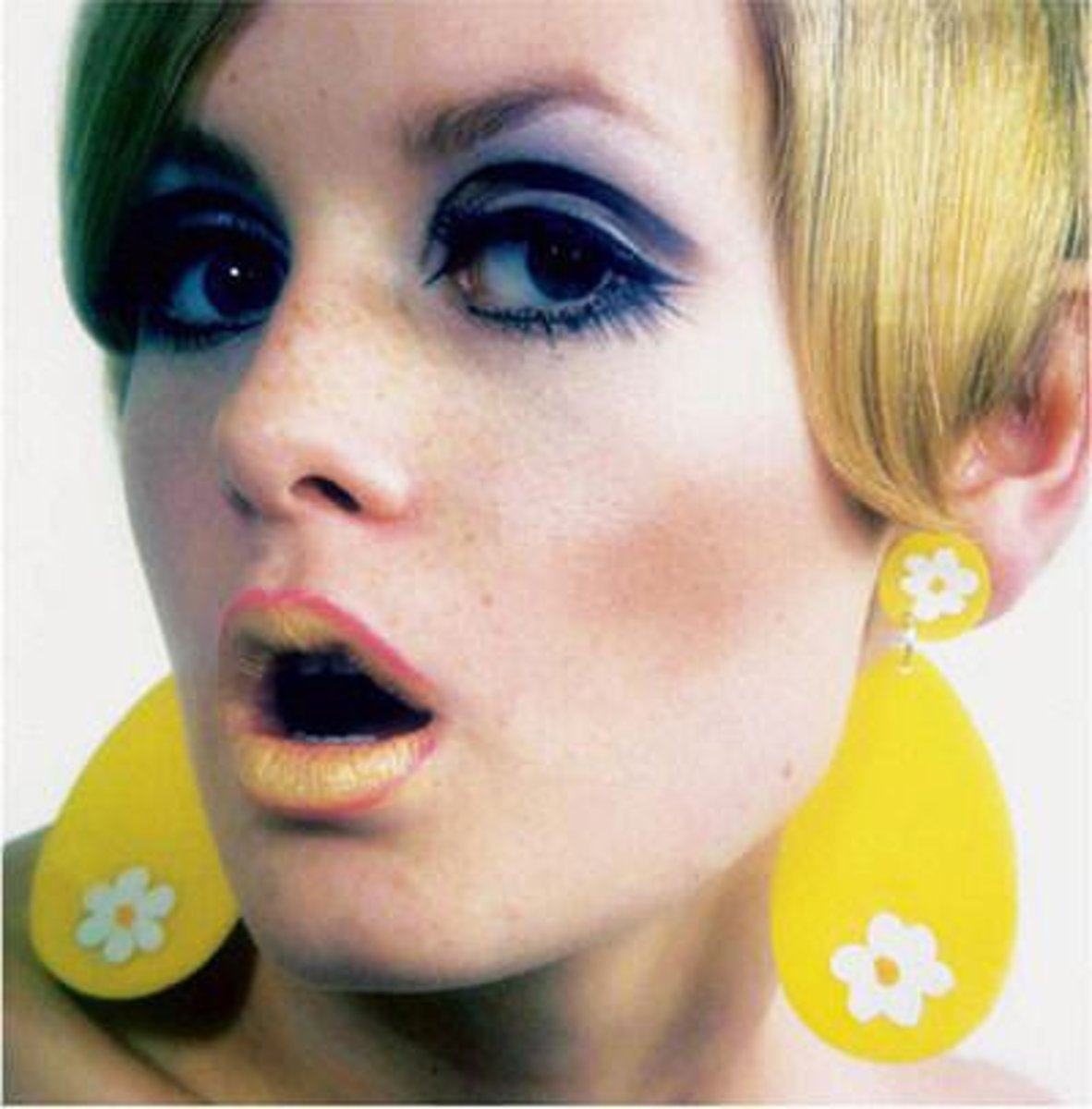 Twiggy: Supermodel of the 1960s