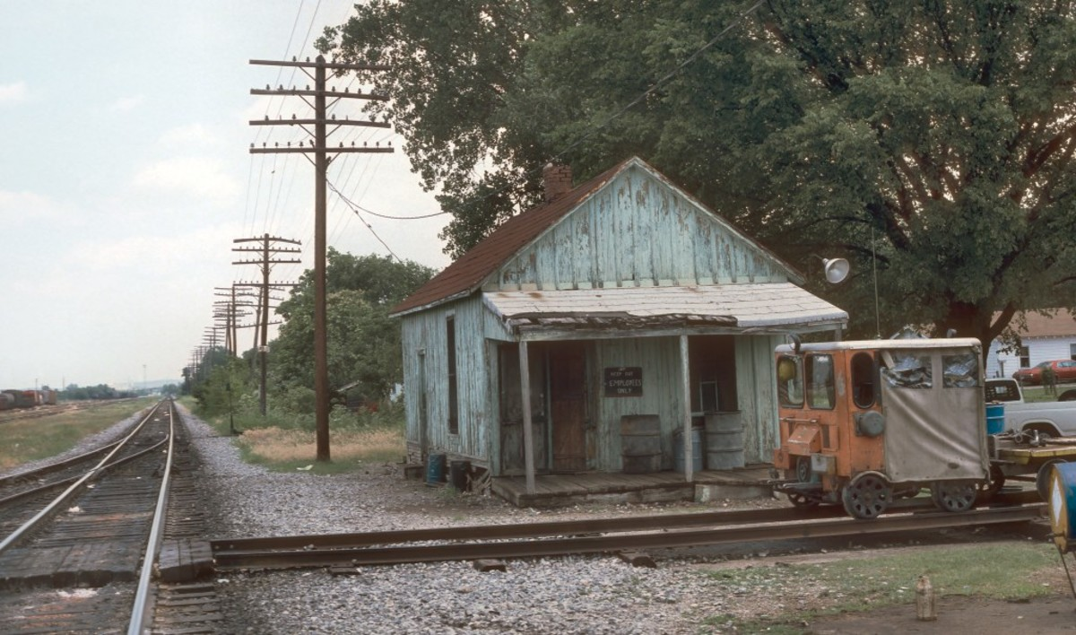 Muskogee in '88. The place where the GSC's founding Mothers gave birth to a legend. In honor of this event, the entire area is an open air museum, progress and time has literally frozen.