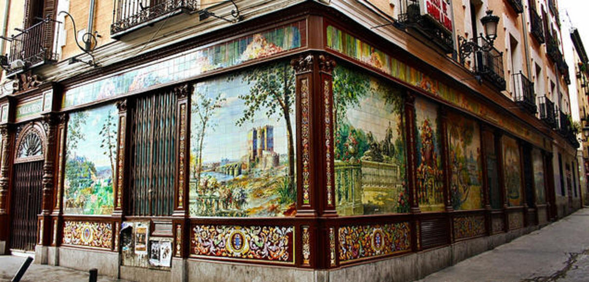 This can only be Spain! Tile bars that you'd think a thing of the past feature aplenty in the midst of the most modern and in joints.