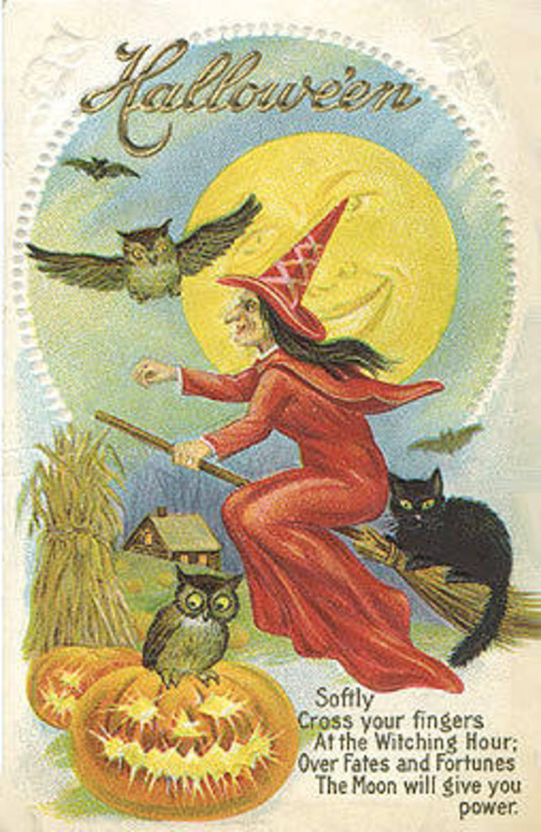 Tips and Online Resources for Collecting Vintage Halloween Items