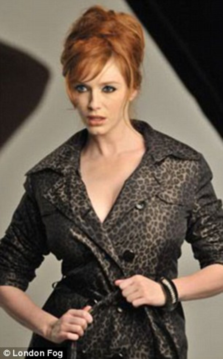 Christina Hendricks (Mad Men) in London Fog Trench Coat