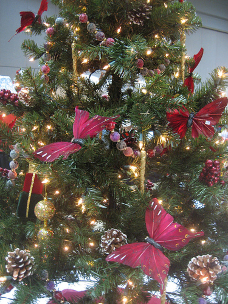 butterfly christmas tree christmas tree themes by jaynie2000 hubpages 1389