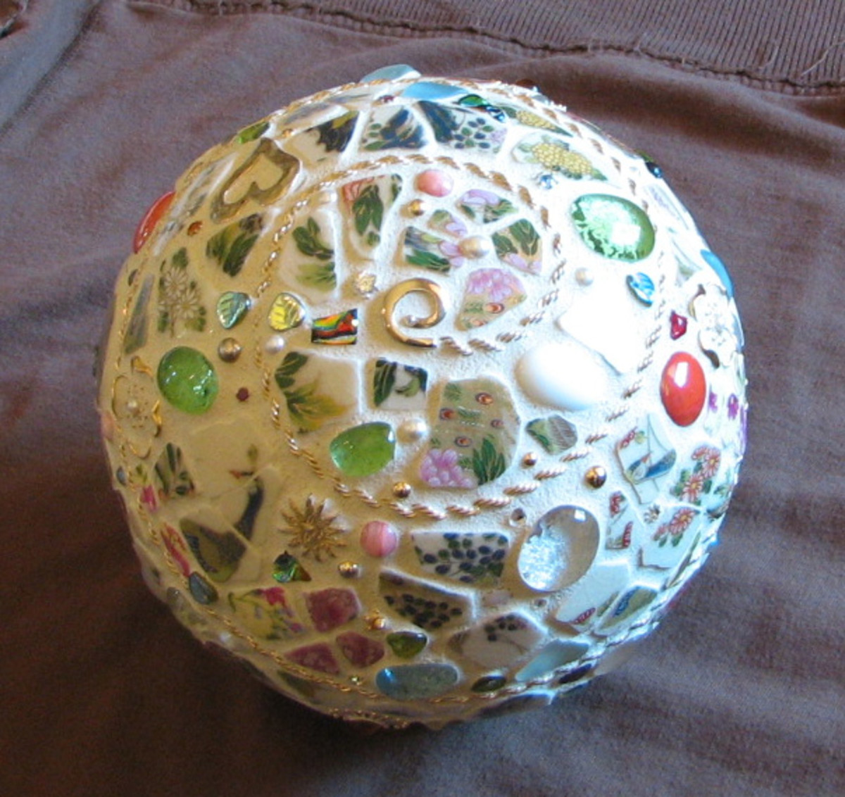 how-to-mosaic-a-styrofoam-ball