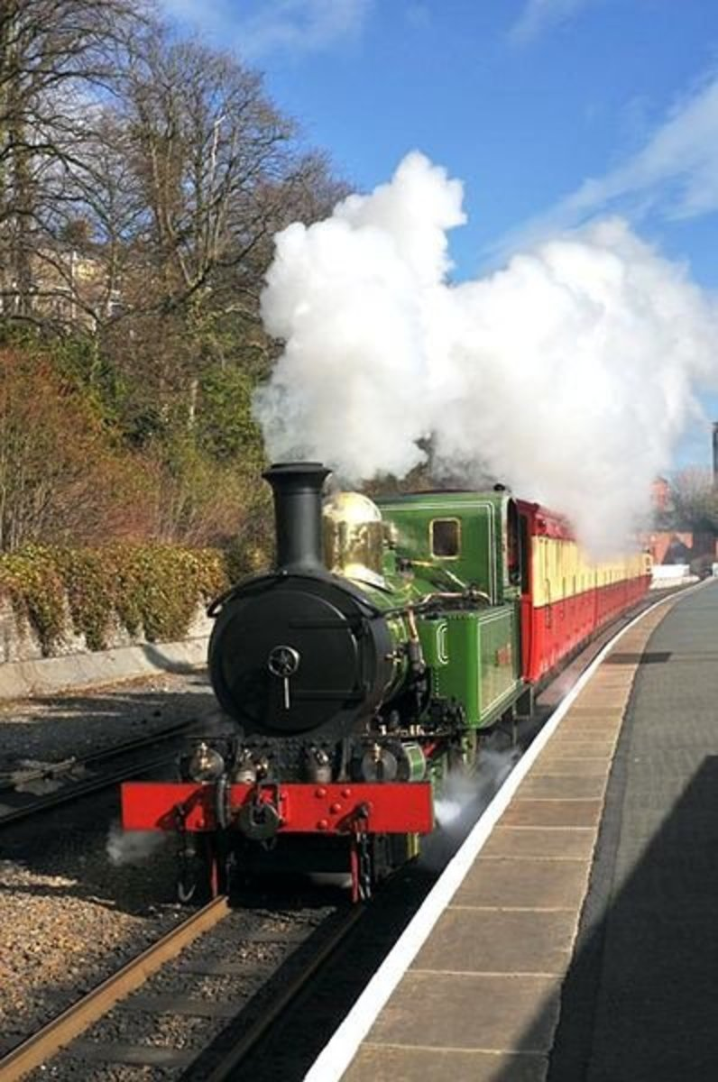 F5 - Just perfect for capturing steam in action - Isle of Man Railway, Douglas, IoM -  David Lloyd-Jones - Copyright 2010